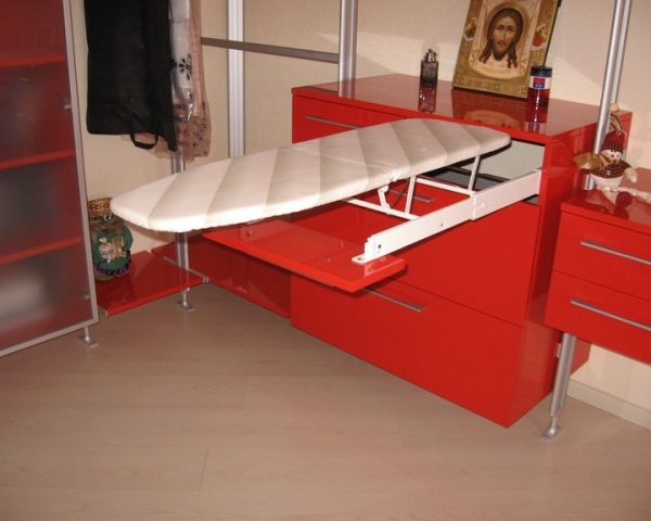 built-in_ironing_board1